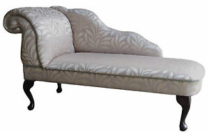 Designer-Traditional-Chaise-Longue-in-Modern-Silver-Leaf