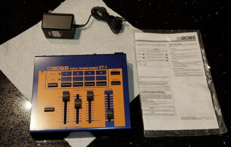 PROFESSIONAL ROLAND  BOSS VT-1 VOICE CHANGER w/ original manual + original plug