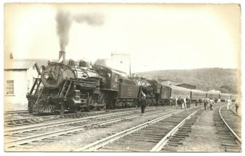 Postcard Boston & Maine Passenger Train #1415 Railroad Passengers Tracks Bonnet