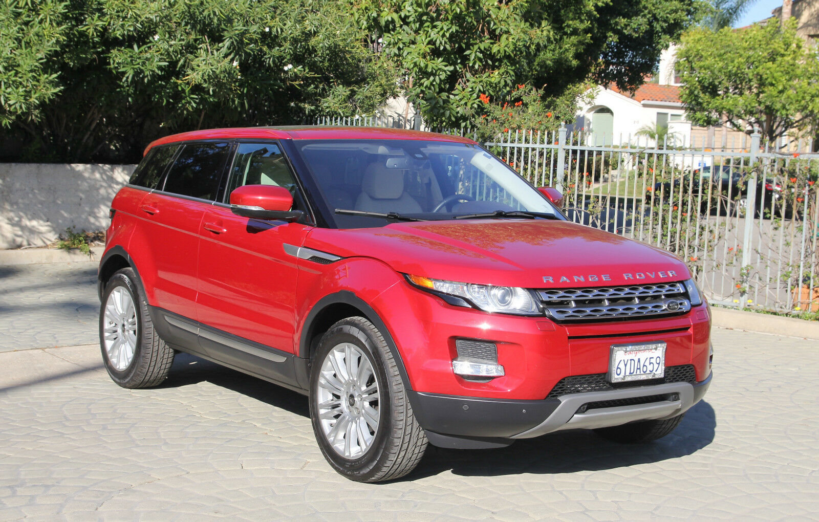 2013 Land Rover Evoque  2013 Range Rover Evoque Prestige Premium Plus - Fully Loaded - One Owner