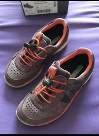 Girl's Ecco trainers, size 10/28