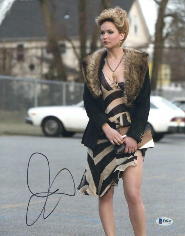 JENNIFER LAWRENCE SIGNED AUTOGRAPHED 11x14 PHOTO - SEXY, HOT, AMERICAN HUSTLE