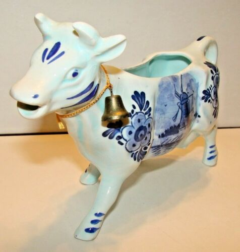 VINTAGE PORCELAIN HOLLAND COW CREAMER PITCHER BLUE WILLOW WITH BELL