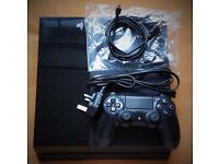 PS4 Sony Playstation 4 Black + controller all wires