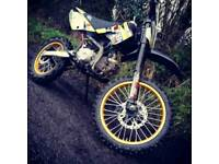 M2R KMX125 Pitbike with Gold Wheels