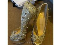 Louboutin shoes size 5