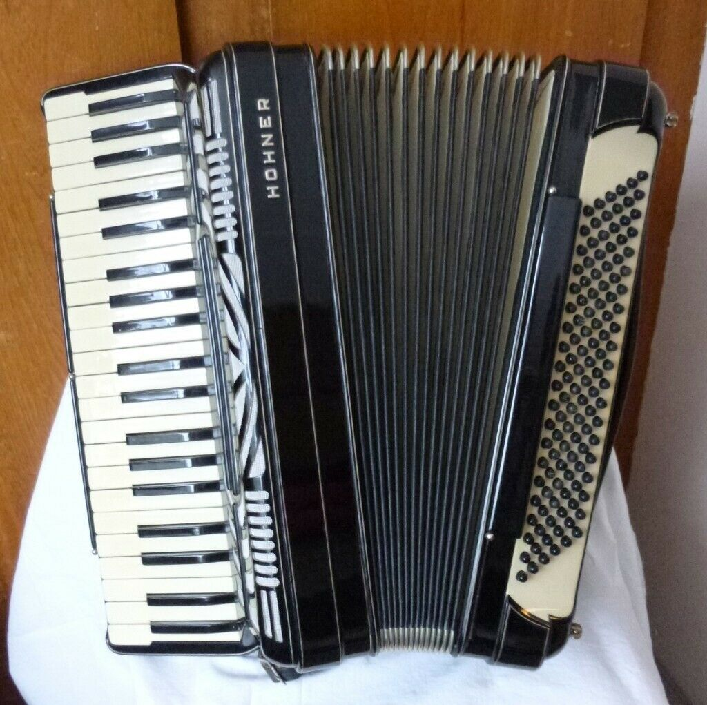 Vintage Hohner Morino 2+1 piano accordion - in excellent condition - great  Scottish musette | in Farnham, Surrey | Gumtree