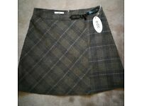 New Very nice EDC skirt size 14