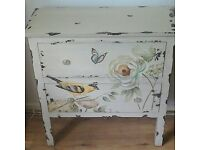 Lovely decorative chest of drawers