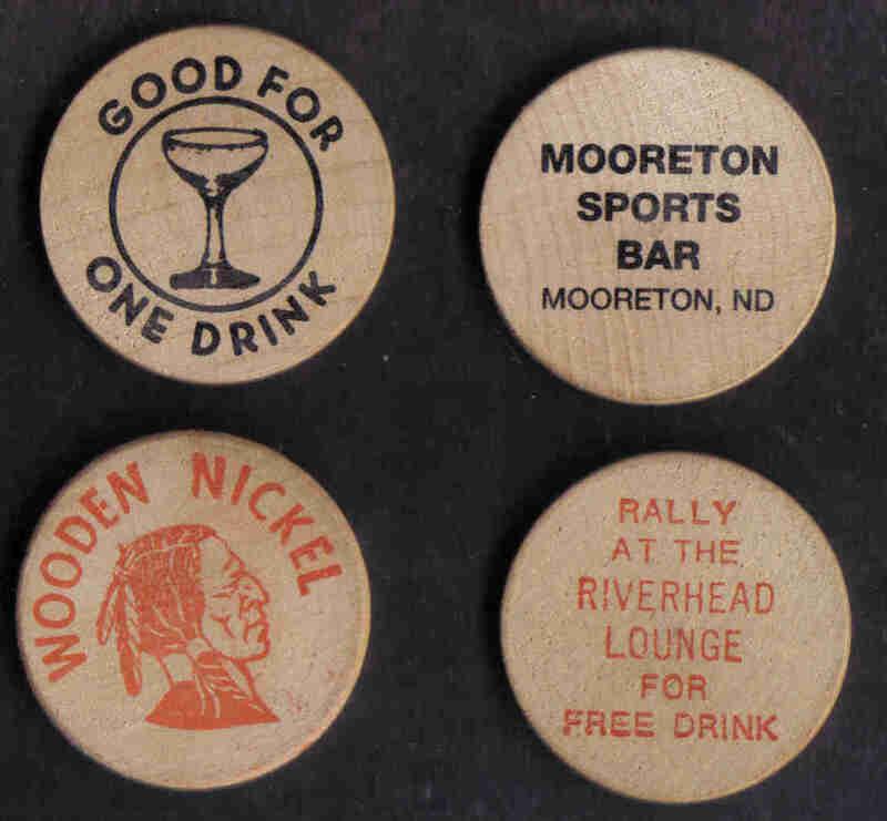 4 WOODEN NICKEL DRINK TOKENS WAHPETON MOORETON NORTH DAKOTA