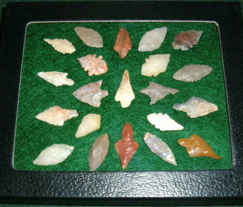 (21) Fine Mini Assorted Neolithic Points W/CASE, Prehistoric African Artifacts