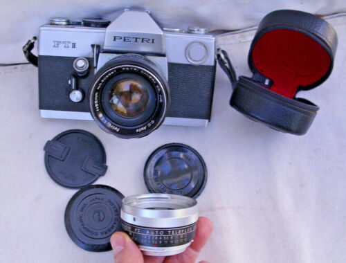 Vintage PETRI Made in Japan 35 mm Camera & Lens + extra lens