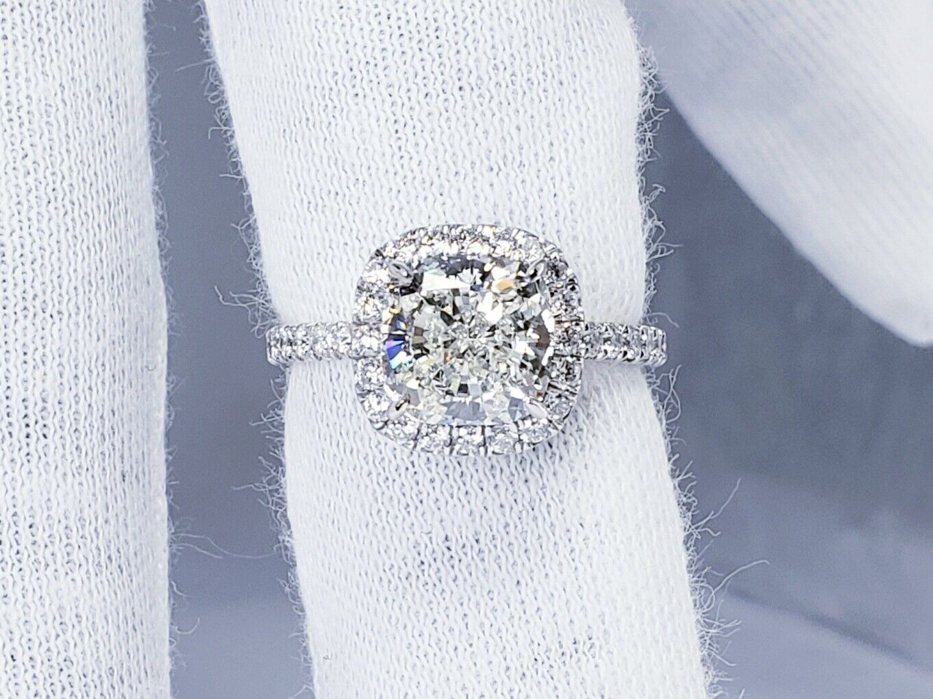 2.26ct GIA Certified Diamond Engagement Ring Halo Design Cushion Cut I Color Si1 3
