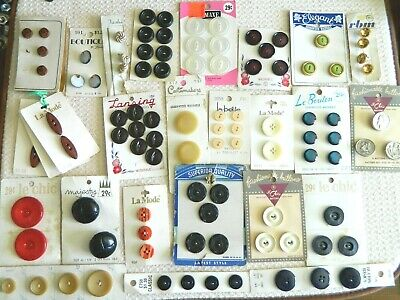 Card 6 Grey Textured 1940/'s  Plastic Buttons Japan