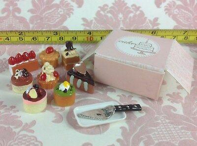 Dollhouse Miniature Bakery 8 pc Cake Food Dessert Pastry w/ Box Knife Plate 1:12