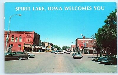*Welcome to Spirit Lake Iowa Hill Avenue Classic Cars Vintage Postcard B82