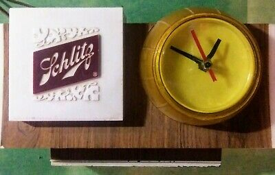 (Vintage) Schlitz Beer Barrel Light Clock Bar Sign Lamp* Works Great.