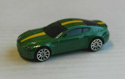 Hot Wheels Aston Martin V8 Vantage grünmetallic Sportwagen Coupe Auto Car HW