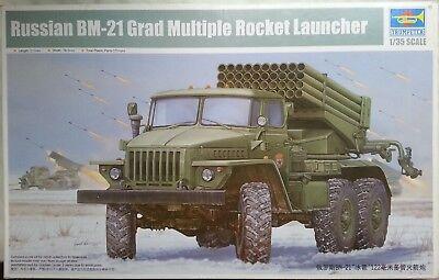 Multiple Rocket Launcher - Trumpeter - Russian BM-21 Grad Multiple Rocket Launcher (1:35)