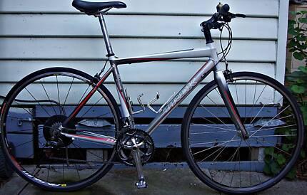 Trek Flat Bar Roadbike, Alloy/Carbon Frame, Mavic Wheels