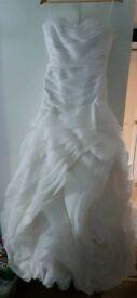 Vera Wang Organza wedding dress, size 12