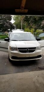White 2012 Dodge Grand Caravan in good used condition
