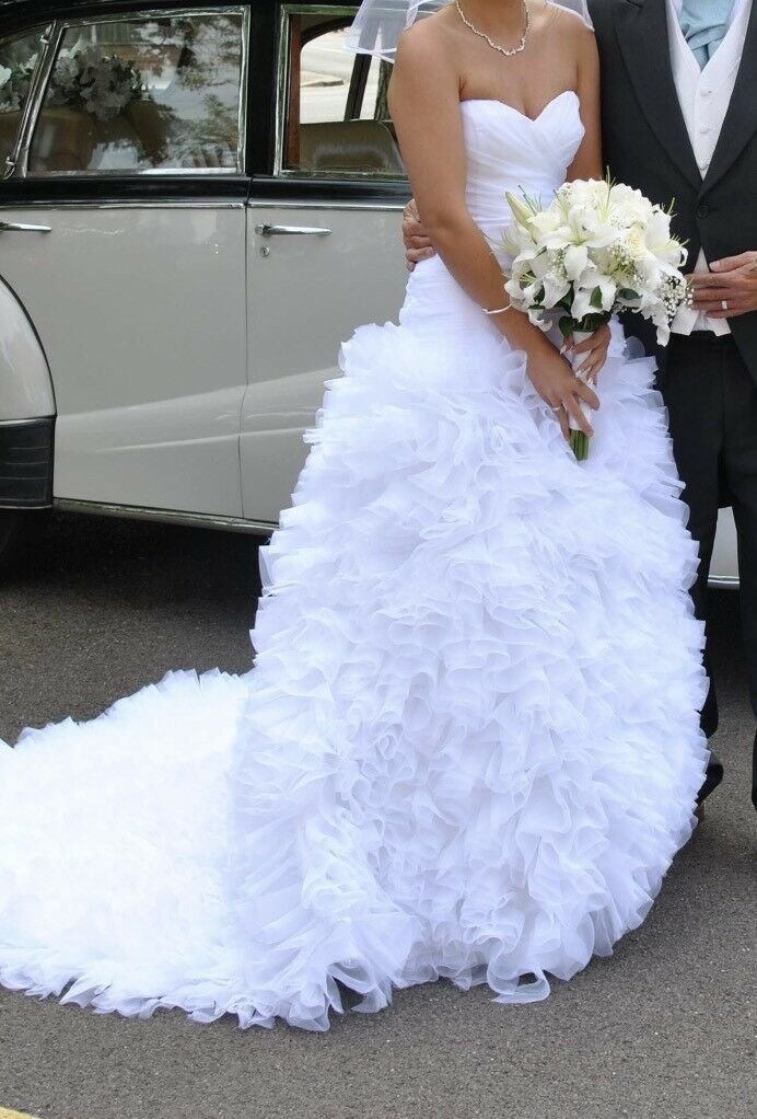 REDUCED White Ruffled Wedding Dress