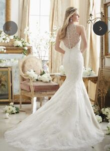 GORGEOUS wedding dress brand new (fit and flare)