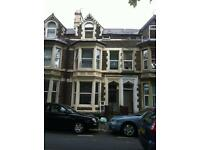 2 bedroom flat in Howard Gardens, Cardiff, CF24