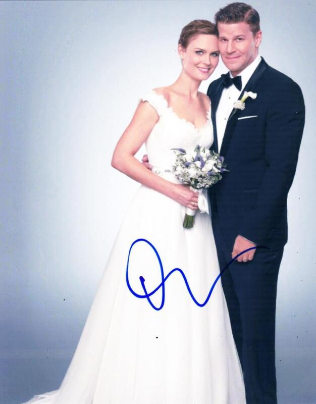 DAVID BOREANAZ SIGNED 8X10 PHOTO FOX BONES AUTHENTIC AUTOGRAPH COA