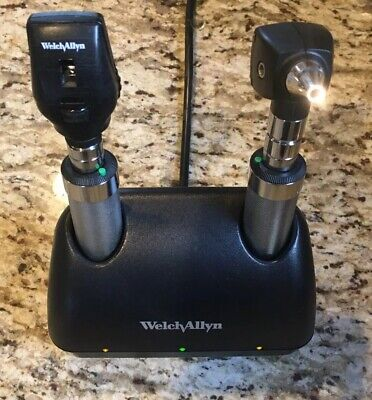 Welch Allyn Desk Charger 7114x Ophthalmoscope 11710 Otoscope Excellent
