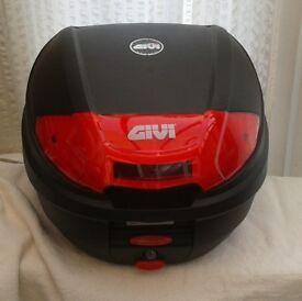 GIVI Monolock TOP BOX with Universal GIVI BASE PLATE, Brand New.