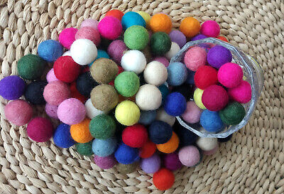 Christmas decoration garland making woolen beads Pom pom felt balls playmate DIY ()