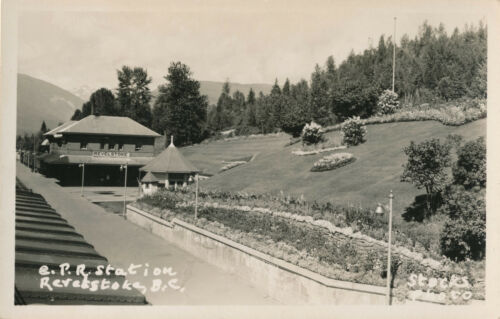 RPPC Vintage Canadian Pacific RR Station, Revelstoke, BC, Canada Postcard