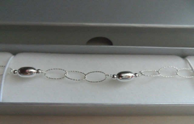 Beautiful Italian Sterling Silver Bracelet Sparkling Diamond cut Links