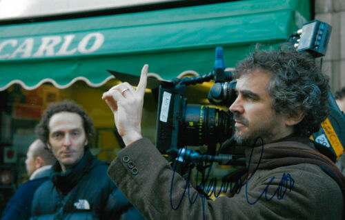 Alfonso Cuaron Autogramm signed 20x30 cm Bild