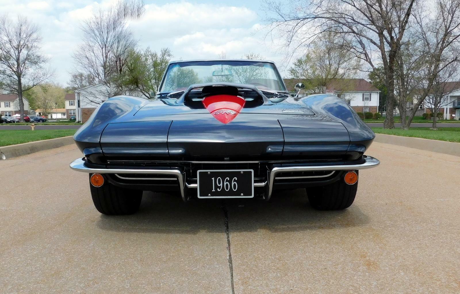1966 Gray Chevrolet Corvette     C2 Corvette Photo 2