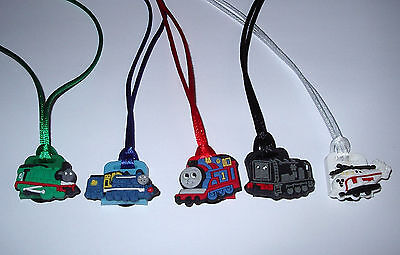 Thomas Train Party (5 THOMAS THE TRAIN ENGINE NECKLACE COLOR CORDS PARTY FAVORS PRIZE GOODY BAG)