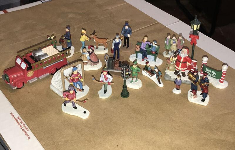 19 Hawthorne village  Miniature Figures  Fire truck-hockey Players Light pole ++