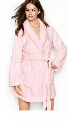 Cozy Robe (VICTORIAS SECRET SHORT PLUSH COZY ROBE SIZE MEDIUM/LARGE BRAND NEW PINK New)