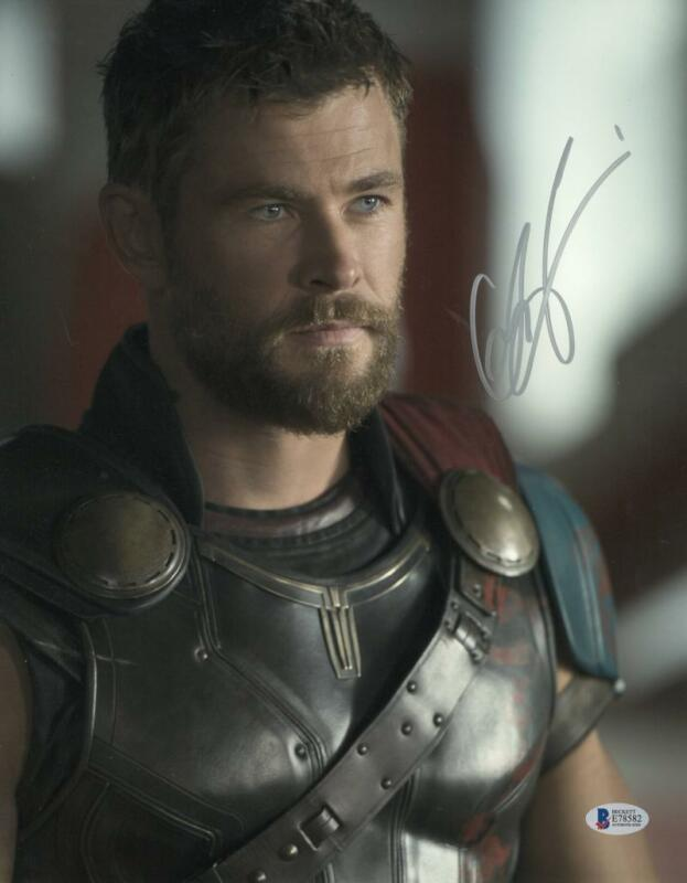 CHRIS HEMSWORTH THOR SIGNED 11X14 PHOTO THE AVENGERS AUTOGRAPH BECKETT COA I