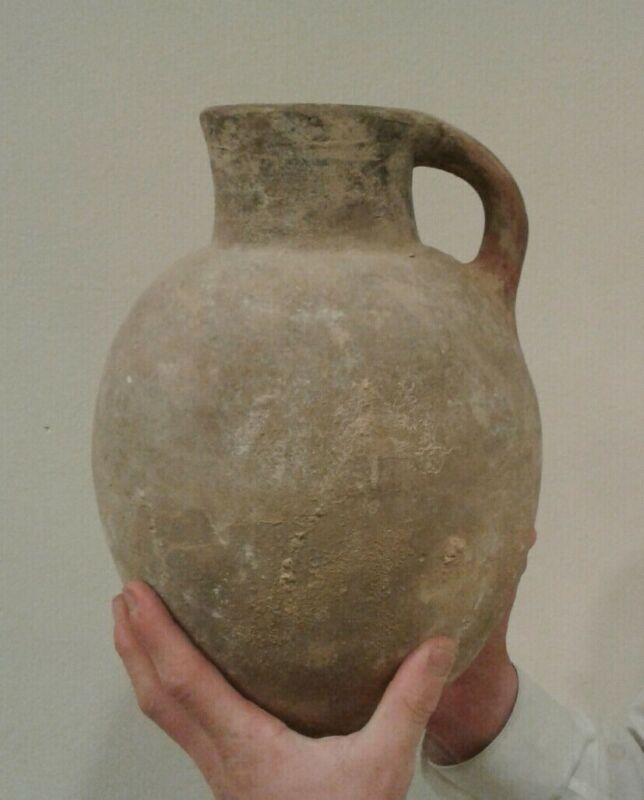 Ancient 1800 bce jug.days of biblical patriarchs .AUTHENTIC found in Israel