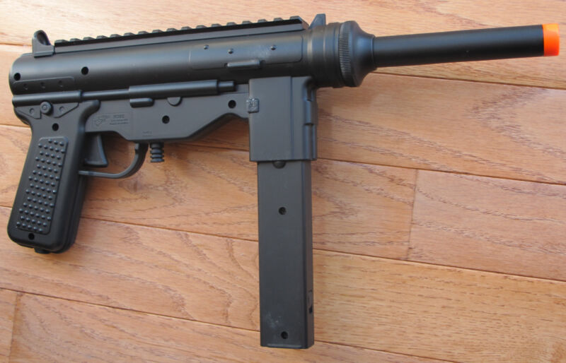 Good quality Airsoft Spring M3 Grease Gun Shoot up to 240 FPS