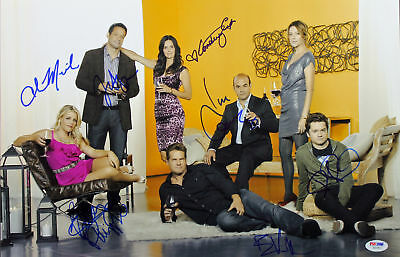 Cougar Town  Courtney Cox  Busy Philipps   4  Signed 12X18 Psa Dna  Ab10812
