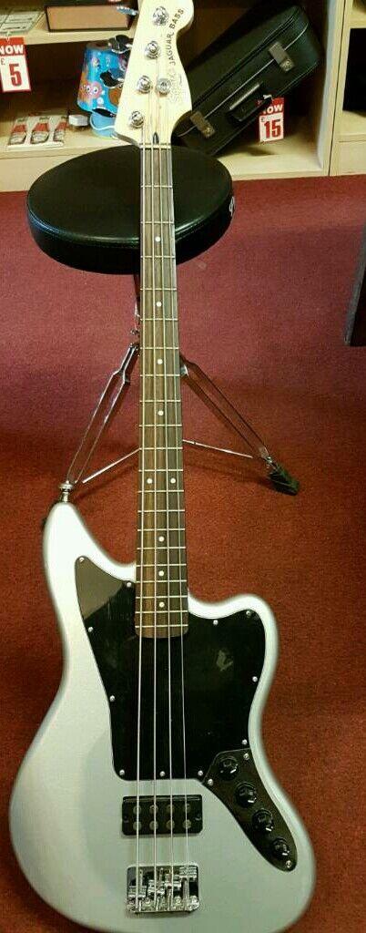 Squier Fender Jaguar Bass