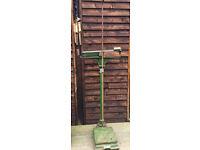 Antique/Vintage Berry & Warmington Cast Iron Floor Weighing Scales