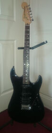 Fender Squier By Fender Showmaster Black Super Strat Electric Guitar