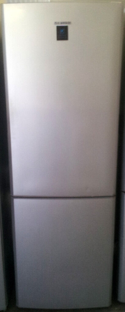 Alu Silver, A Class SAMSUNG Frost Free F/F For Salein Harrow, LondonGumtree - Brand Samsung Model RL34SCPS Colour Silver GUARANTEED!!! Energy Efficiency A Fresh Food Volume 201 Litre Freezer Volume 85 Litre Miscellaneous Controls Digital Display, Electronic Control Lights Refrigerator Light Defrost Automatic Defrost Number of...