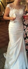 Beautiful wedding dress, veil & underskirt