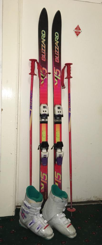 Salomon ski bag (with skis and poles) | in Chester, Cheshire